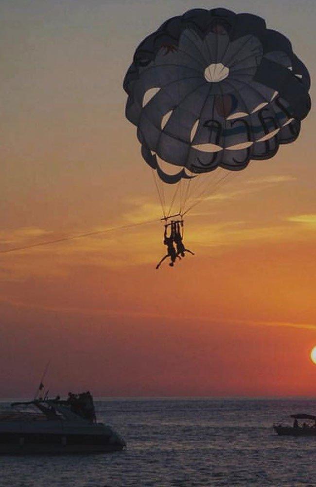 ibiza-en-parasailing